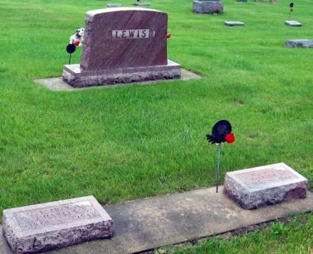 LEWIS, CHARLES & LILLIAN (LOT) - Mitchell County, Iowa   CHARLES & LILLIAN (LOT) LEWIS