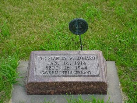 LEONARD, STANLEY W. - Pottawattamie County, Iowa   STANLEY W. LEONARD