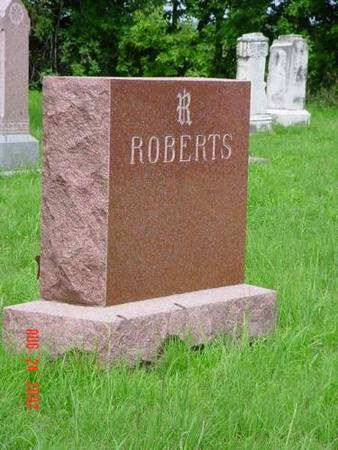 ROBERTS, W. P. & AMANDA J. [BACK] - Pottawattamie County, Iowa | W. P. & AMANDA J. [BACK] ROBERTS