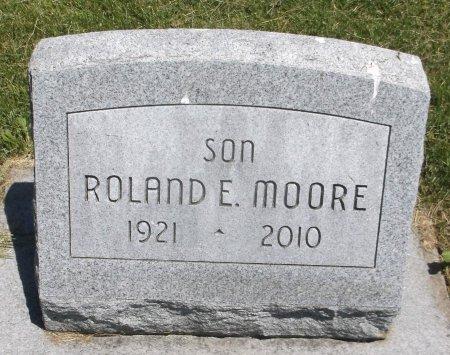 MOORE, ROLAND E. - Scott County, Iowa | ROLAND E. MOORE