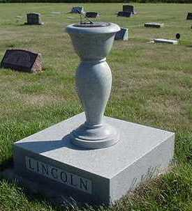 LINCOLN, HEADSTONE - Sioux County, Iowa   HEADSTONE LINCOLN
