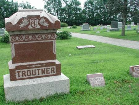 TROUTNER, BESSIE & FRED FAMILY PLOT - Story County, Iowa | BESSIE & FRED FAMILY PLOT TROUTNER