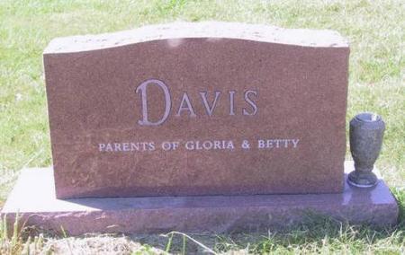 DAVIS, FAMILY HEADSTONE - Warren County, Iowa | FAMILY HEADSTONE DAVIS