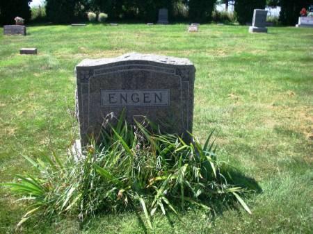 ENGEN, CLARENCE H. FAMILY STONE - Winneshiek County, Iowa   CLARENCE H. FAMILY STONE ENGEN
