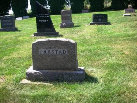 JARSTAD, TOLLEF K. FAMILY STONE - Winneshiek County, Iowa   TOLLEF K. FAMILY STONE JARSTAD