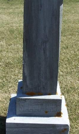 SLEETAGER, OLE P. FAMILY STONE - Winneshiek County, Iowa | OLE P. FAMILY STONE SLEETAGER