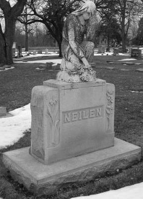 NEILEN, MONUMENT - Woodbury County, Iowa   MONUMENT NEILEN