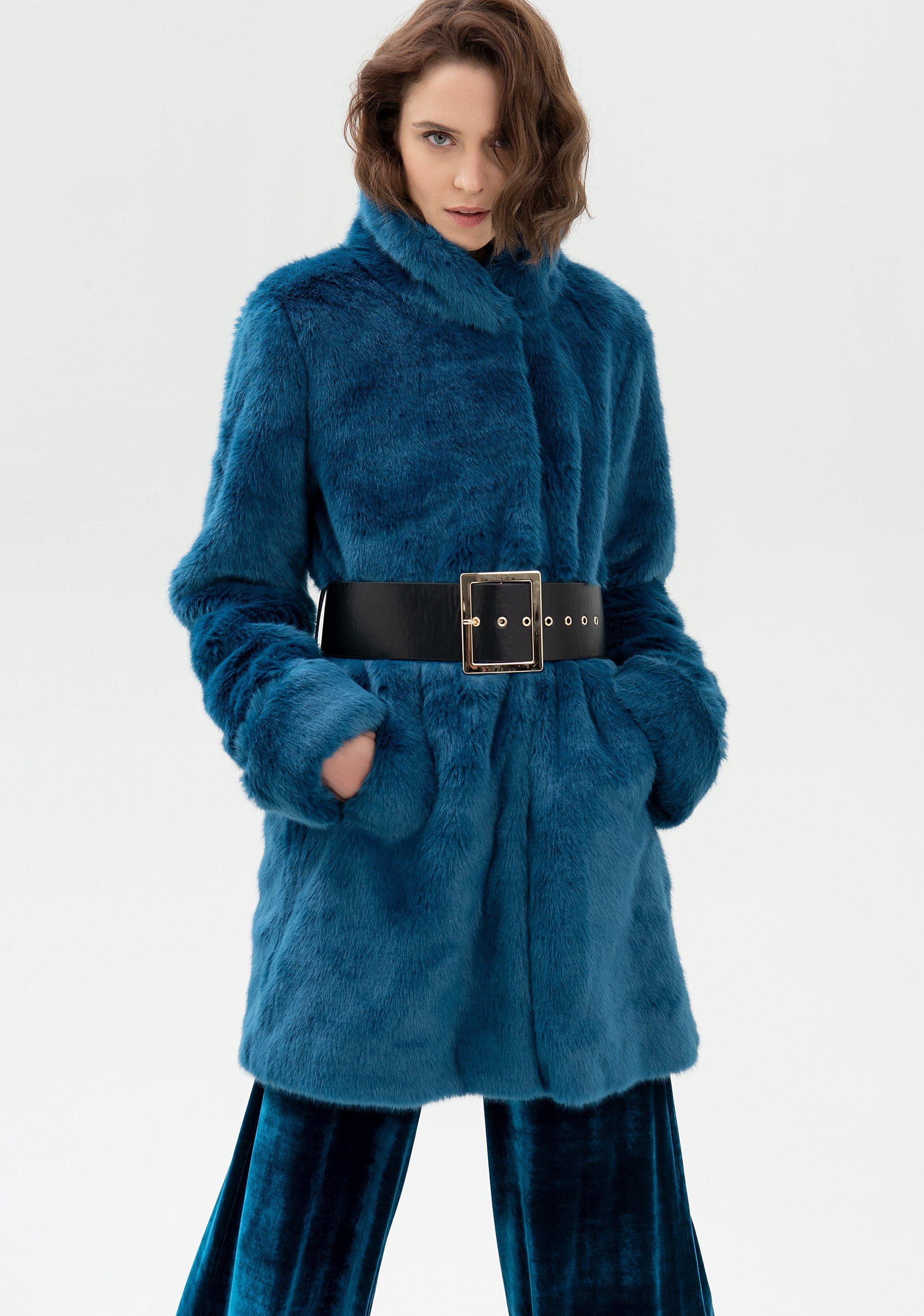 Cappotto regular in eco pelliccia FRACOMINA | Cappotti | FR21WC4008O441L7941 OTTANIO