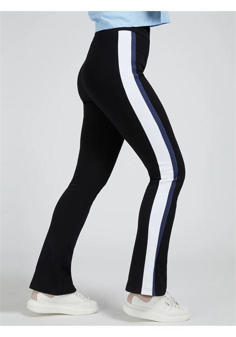 Pantaloni svasati con banda laterale GUESS ACTIWEAR   Pantalone   O1BA64 FL03SJBLK