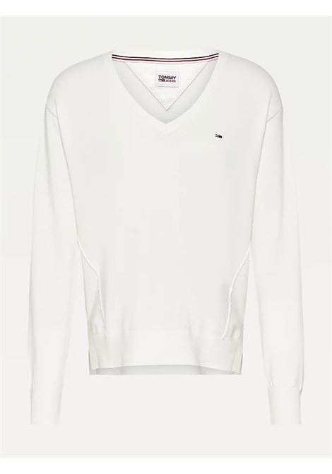 PULLOVER ESSENTIAL CON CUCITURE IN RILIEVO TOMMY JEANS | Maglie | DW0DW10996YAP SNOW WHITE