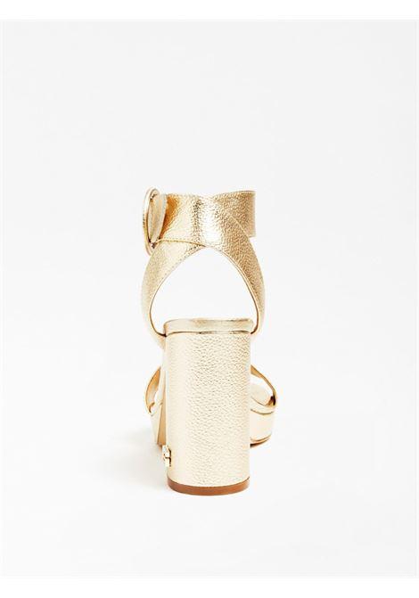SANDALO BRENDY PELLE LAMINATA GUESS FOOTWEAR | Scarpe | FL6BRY LEM03GOLD