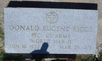 RIGGS, DONALD EUGENE   (VETERAN WWII) - Grant County, Kansas | DONALD EUGENE   (VETERAN WWII) RIGGS - Kansas Gravestone Photos