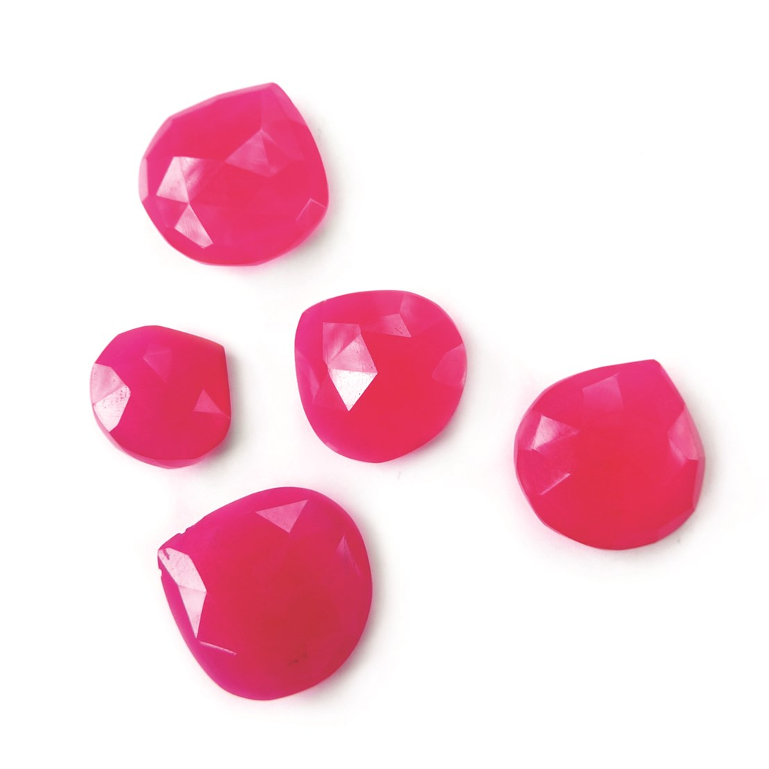 TO-28 AAA Natural Hot Pink Chalcedony Briolette Handmade Faceted Heart Briolette Side Drill Beads 10x10mm 5 Piece Set