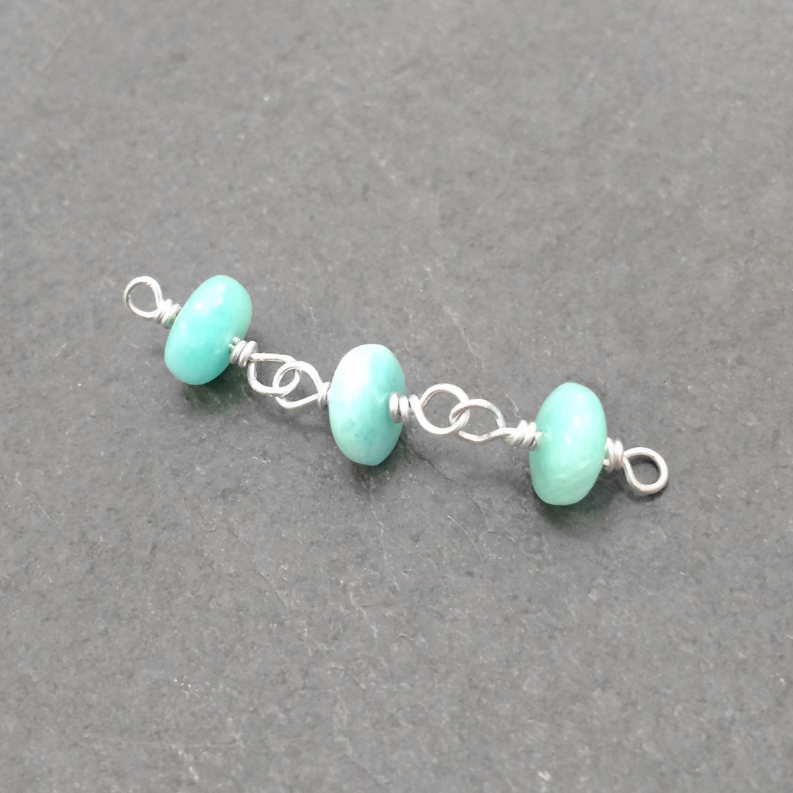 How To Make A Wire Wrapped Bead Chain | Kernowcraft