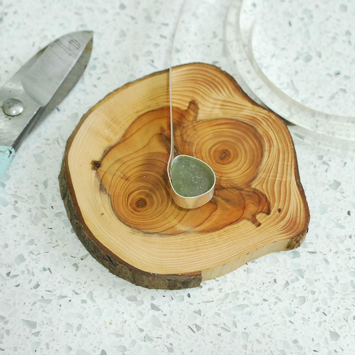 How to make a sea glass backless bezel setting kernowcraft how to create sea glass bezel aloadofball Images