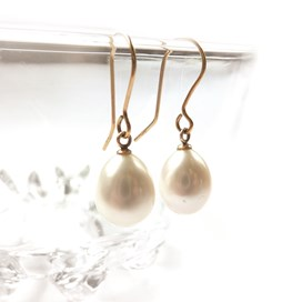 pearl-earrings-with-peg-kernowcraft.jpg