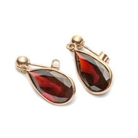 9ct Gold Faceted Garnet Teardrop Earrings, Approx 14x8mm