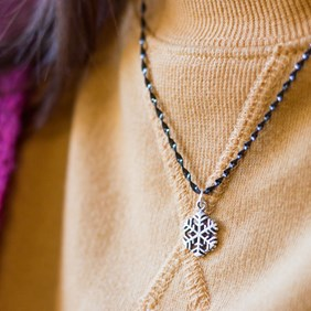 Snowflake Twist Necklace
