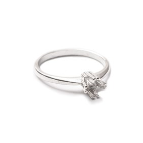 Sterling Silver Claw Ring For 5mm Square Faceted Stone