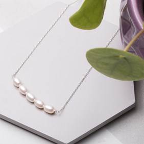 Pearl Bead Bar Necklace