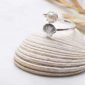 Pearl & Shell Adjustable Ring