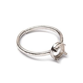 Sterling Silver Adjustable Textured Ring with Decorative Claw For 6mm Round Cabochon