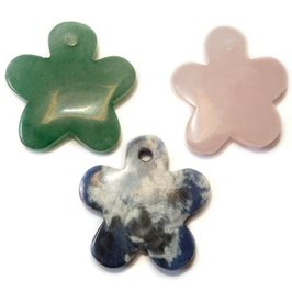 Green Aventurine Gemstone Flower Pendants, 25mm
