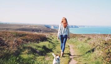 hannah and roxy on cliffs.jpg