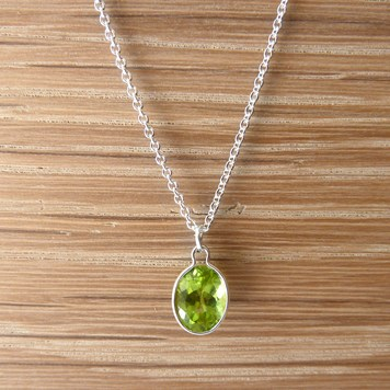 jewellery project - Silver peridot necklace