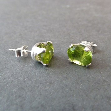 Jewellery Project - Sterling Silver Peridot Snaptite Earrings
