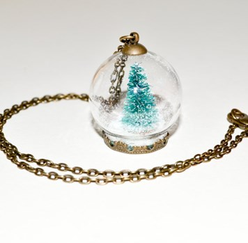 Christmas Tree Snow Globe Necklace From Flo Nightingale