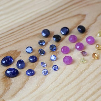 Sapphire gemstones for jewellery making