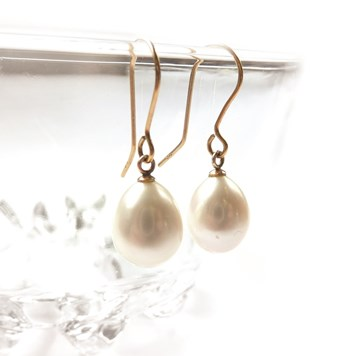 pearl drop bride earrings