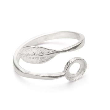 leaf ring setting