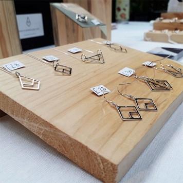 handmade jewellery craft stall