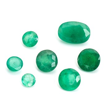 emerald faceted stones