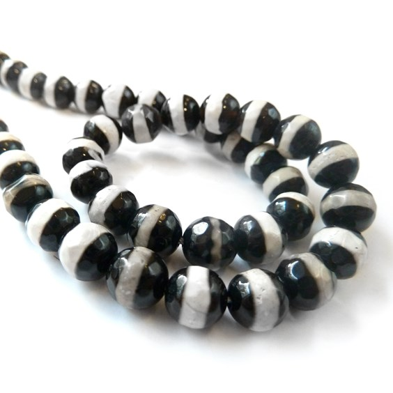 Tibetan Style Dzi Faceted Agate Round Beads