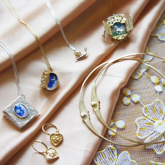 manom jewellery