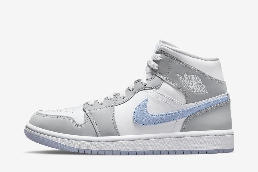 Air Jordan 1 Mid Womens Grey Blue BQ6472-105 | SneakerNews.com