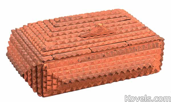 tramp-art-box-wood-chip-carved-pyramid-design-hinged-lid-ca053114-0717.jpg