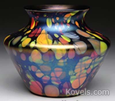 fenton-mosaic-vase-multicolor-splashes-jj061114-1522.jpg
