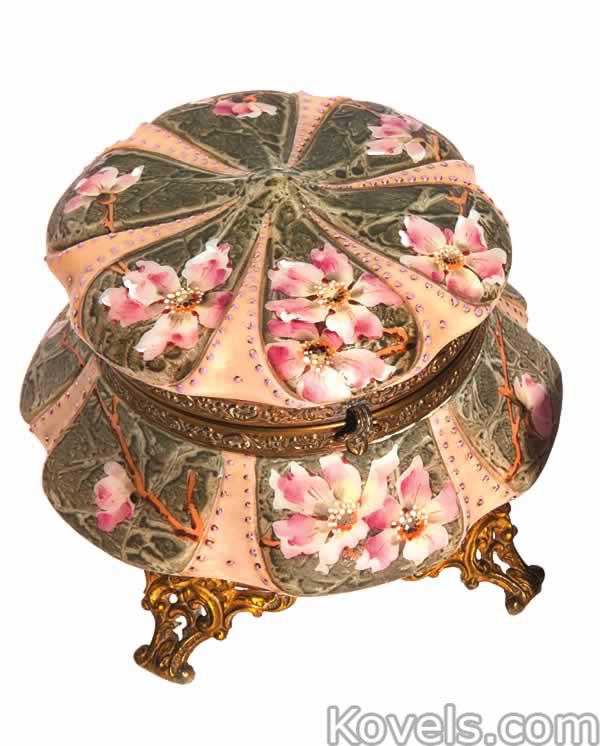 kelva-dresser-box-lid-panels-blossoms-ea110714-0273.jpg