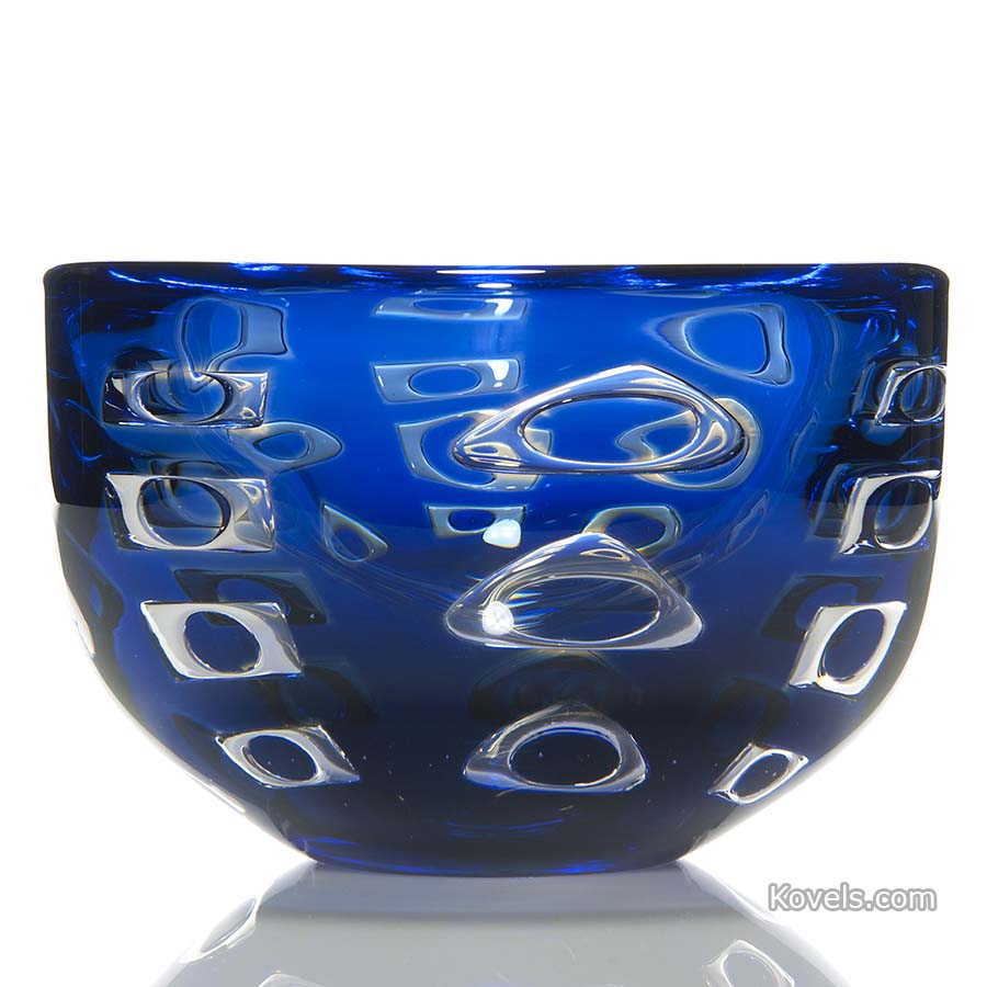 orrefors-vase-ariel-floating-windows-blue-ingeborg-lundin-hn110814-0646.jpg