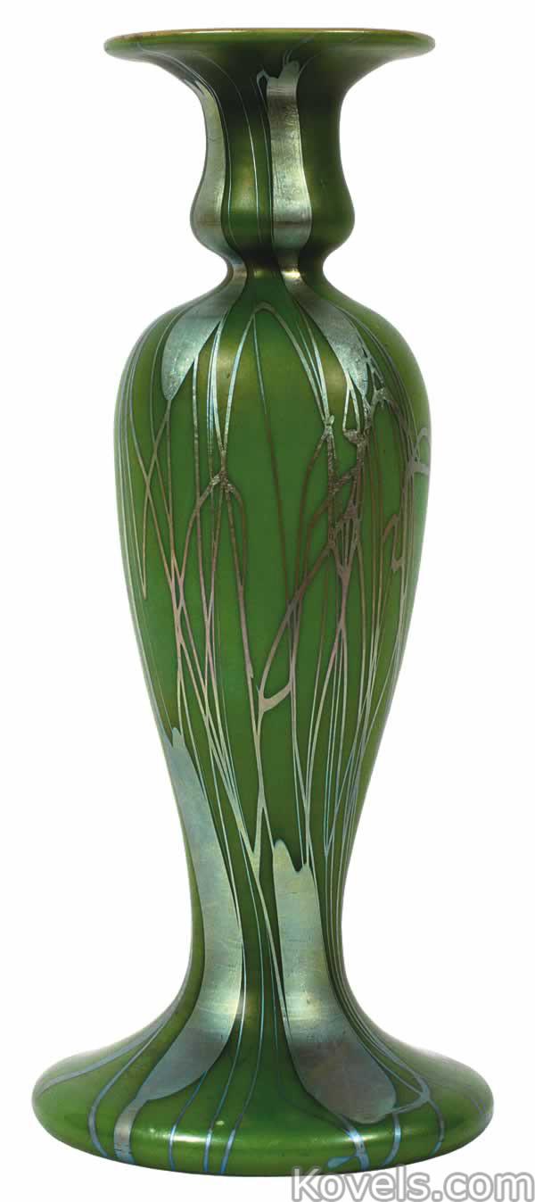 steuben-vase-candlestick-leaf-vine-green-aurene-du091214-1229.jpg