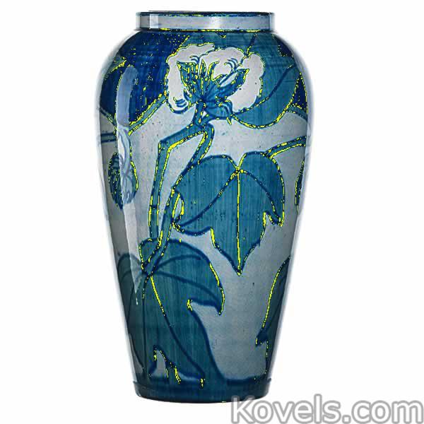 newcomb-vase-cotton-blue-gray-marie-de-hoa-leblanc-ra021415-0024.jpg