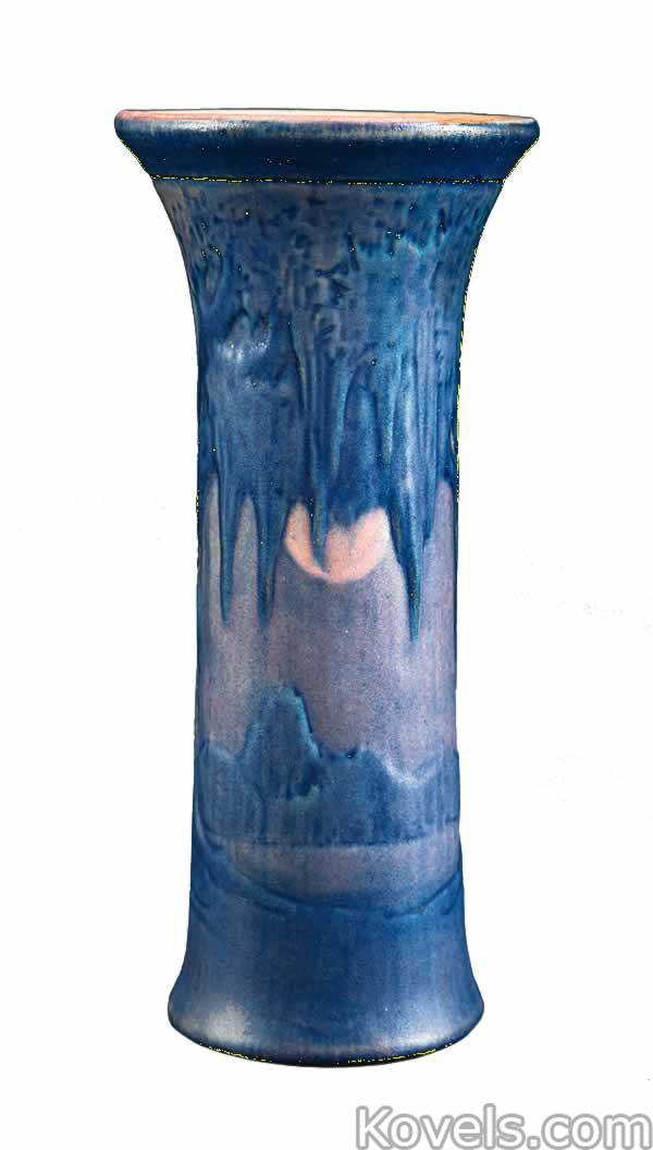 newcomb-vase-moon-moss-blue-ne013115-0320.jpg
