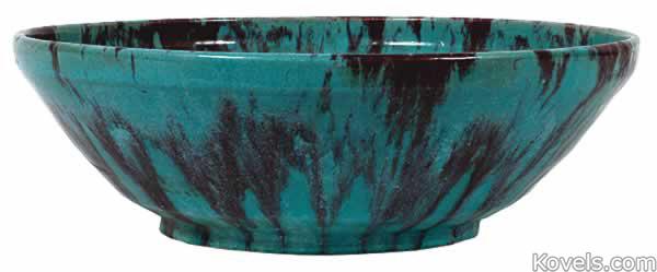 pewabic-bowl-turquoise-variegated-label-du081514-1008.jpg