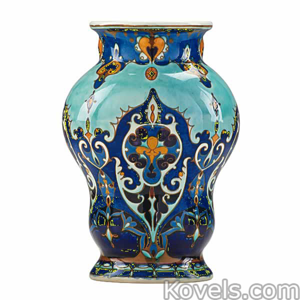 rozenburg-vase-stylized-flowers-netherlands-ra021315-0761.jpg