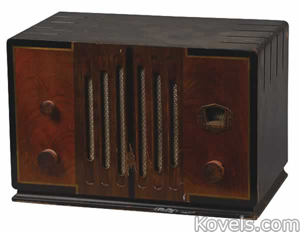 radio-fada-na-series-am-tabletop-mo091914-0106.jpg