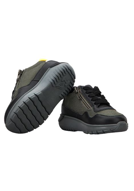 HOGAN   Sneakers   HXT3710AP30QAV684PNERO